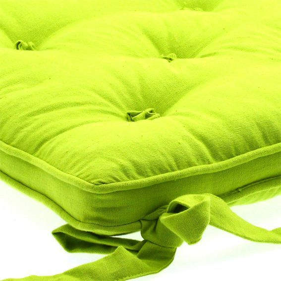 coussin de chaise 5 boutons vert anis galette et coussin de chaise eminza. Black Bedroom Furniture Sets. Home Design Ideas