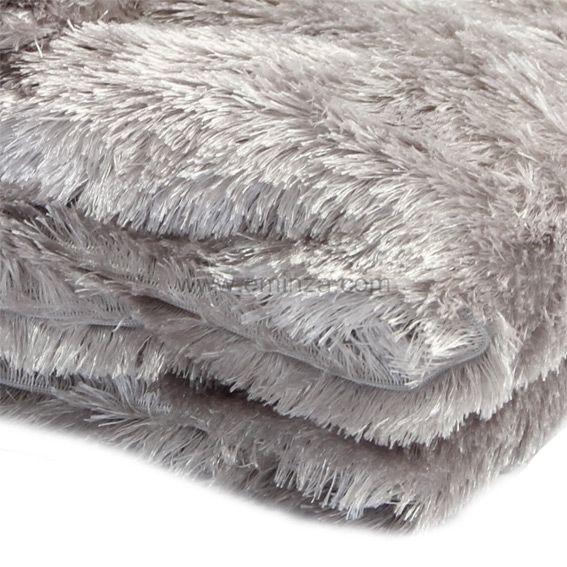 plaid imitation fourrure peluche gris plaid fausse fourrure eminza. Black Bedroom Furniture Sets. Home Design Ideas