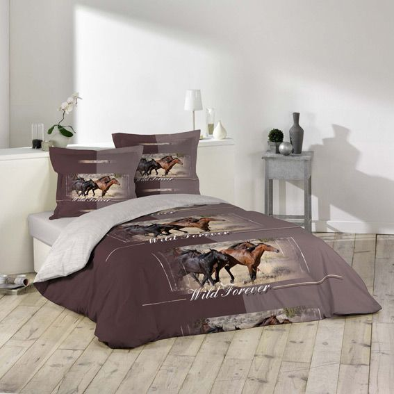 housse de couette et deux taies chevaux housse de. Black Bedroom Furniture Sets. Home Design Ideas
