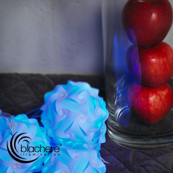 Guirlande lumineuse boules origami bleu decoration - Guirlande boule lumineuse bleu ...