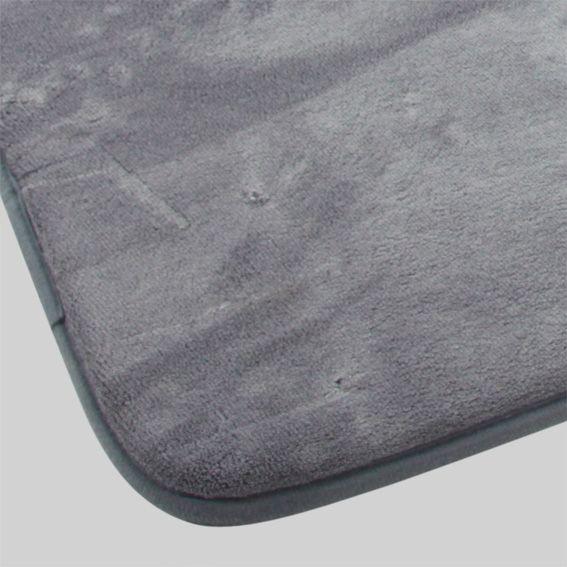 Tapis de bain m moire gris tapis salle de bain eminza for Tapis salle de bain gris