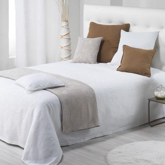 couvre lit 180 x 250 cm thea blanc couvre lit boutis eminza. Black Bedroom Furniture Sets. Home Design Ideas