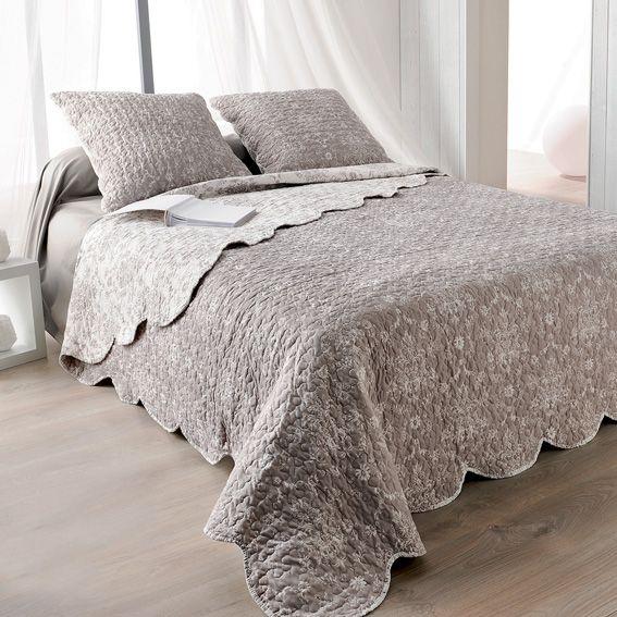 Boutis et taies d 39 oreiller 250 x 260 cm prairie taupe couvre lit bou - Boutis beige et taupe ...