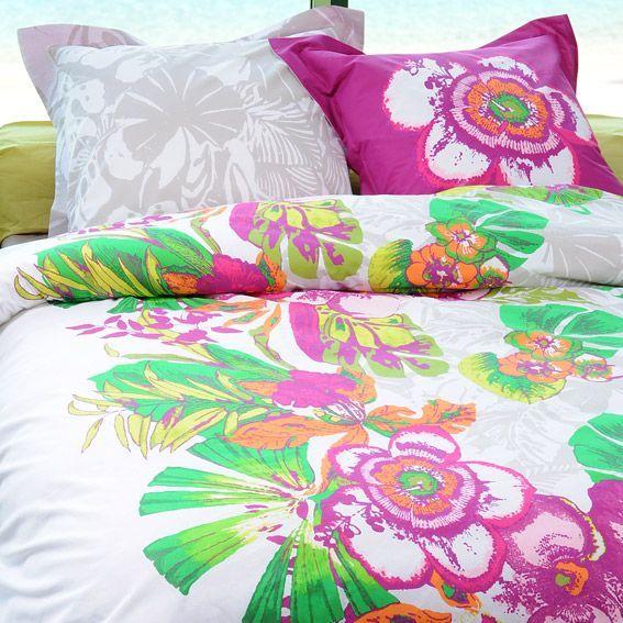 parure de draps 4 pi ces tropicalia parure de draps eminza. Black Bedroom Furniture Sets. Home Design Ideas
