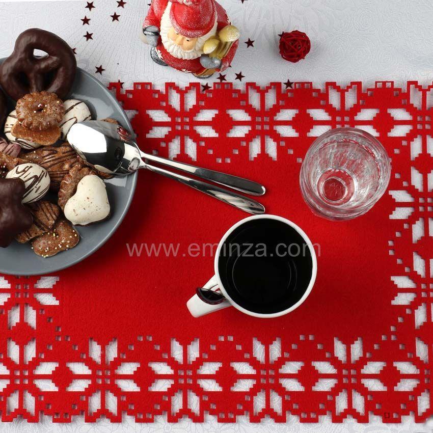 Set de table flocon rouge linge de table eminza for Set de table maison du monde
