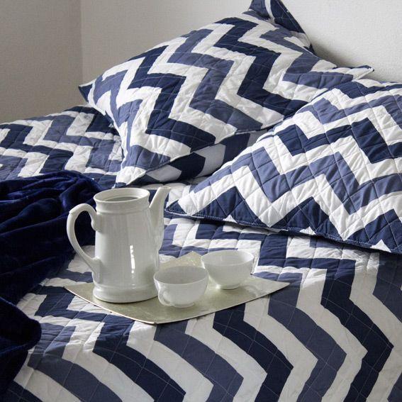 couvre lit 180 x 220 cm beverly bleu couvre lit boutis eminza. Black Bedroom Furniture Sets. Home Design Ideas