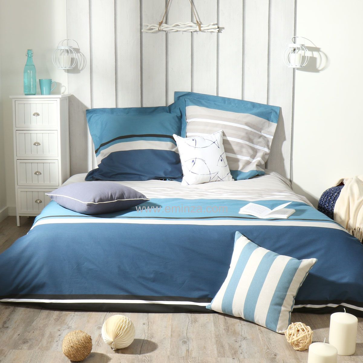 housse de couette et deux taies 200 cm deauville bleu. Black Bedroom Furniture Sets. Home Design Ideas