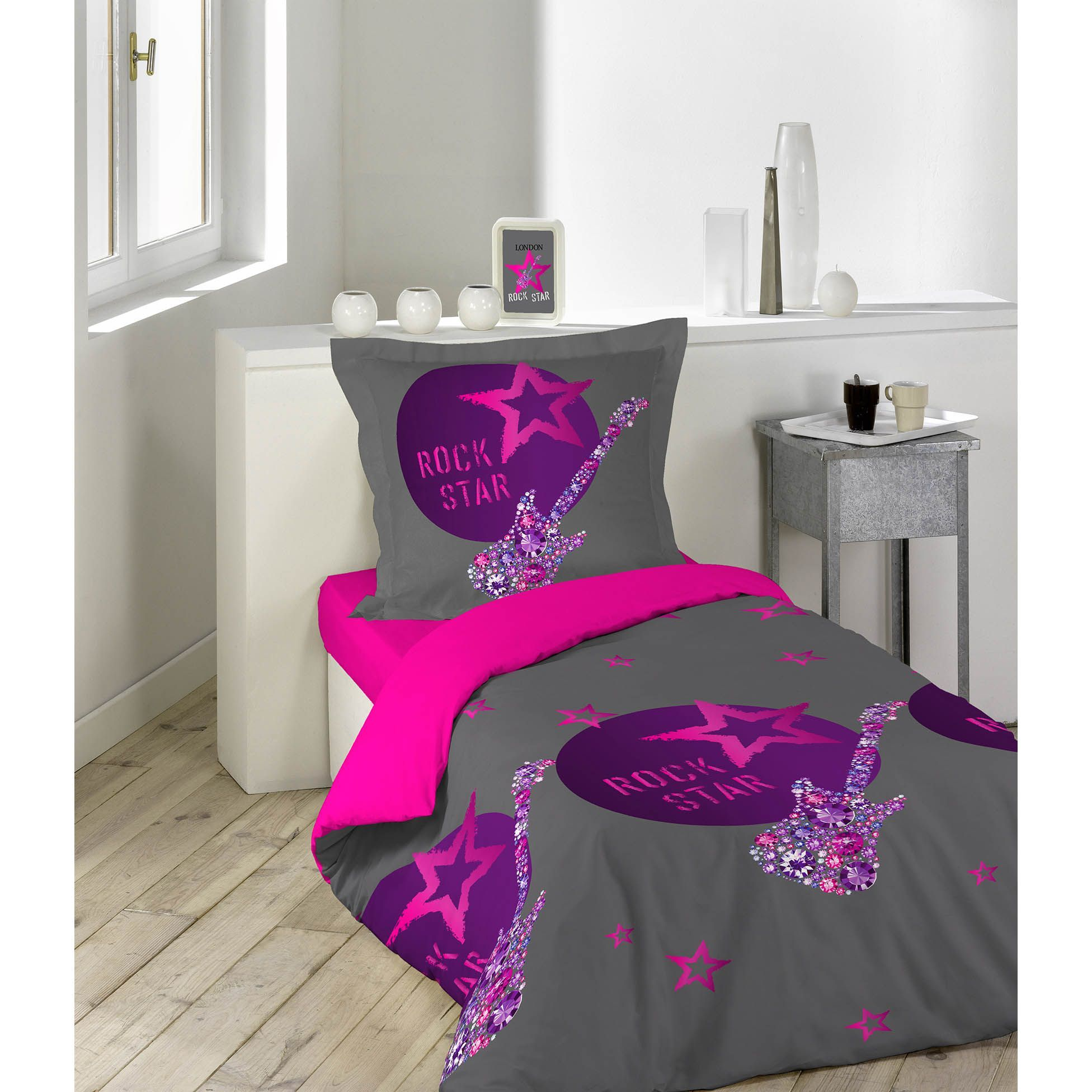 housse de couette et une taie 140 cm rock girl housse de couette eminza. Black Bedroom Furniture Sets. Home Design Ideas
