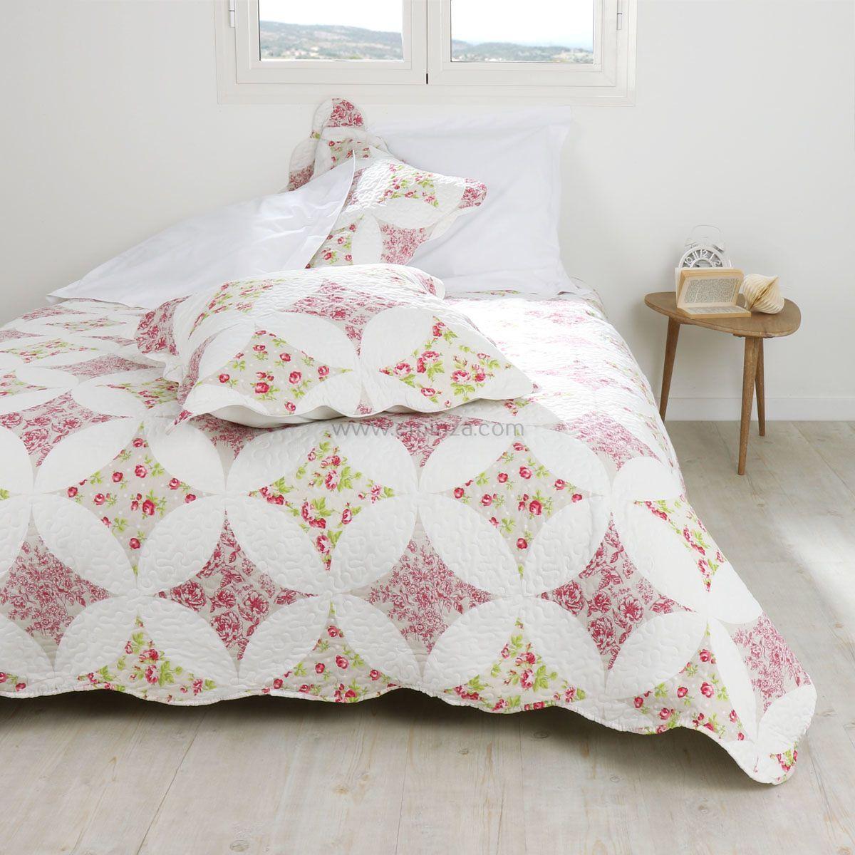 boutis et taies d 39 oreiller 220 x 240 cm rozane rose couvre lit boutis eminza. Black Bedroom Furniture Sets. Home Design Ideas