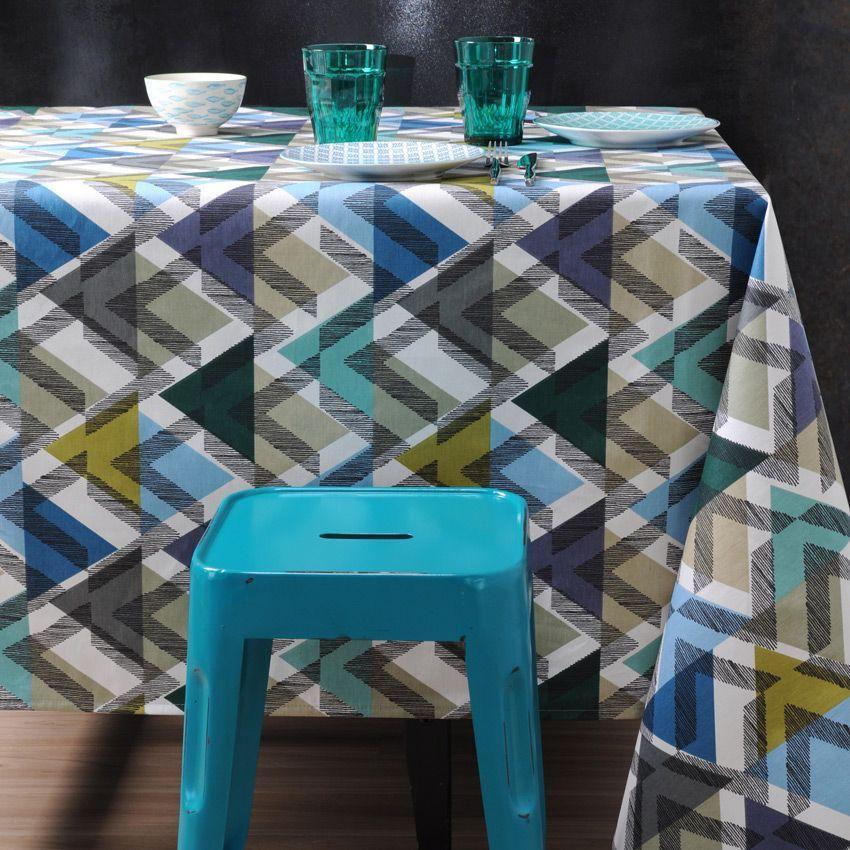 nappe carr e 155 cm imprim e scandinave bleu nappe de table eminza. Black Bedroom Furniture Sets. Home Design Ideas