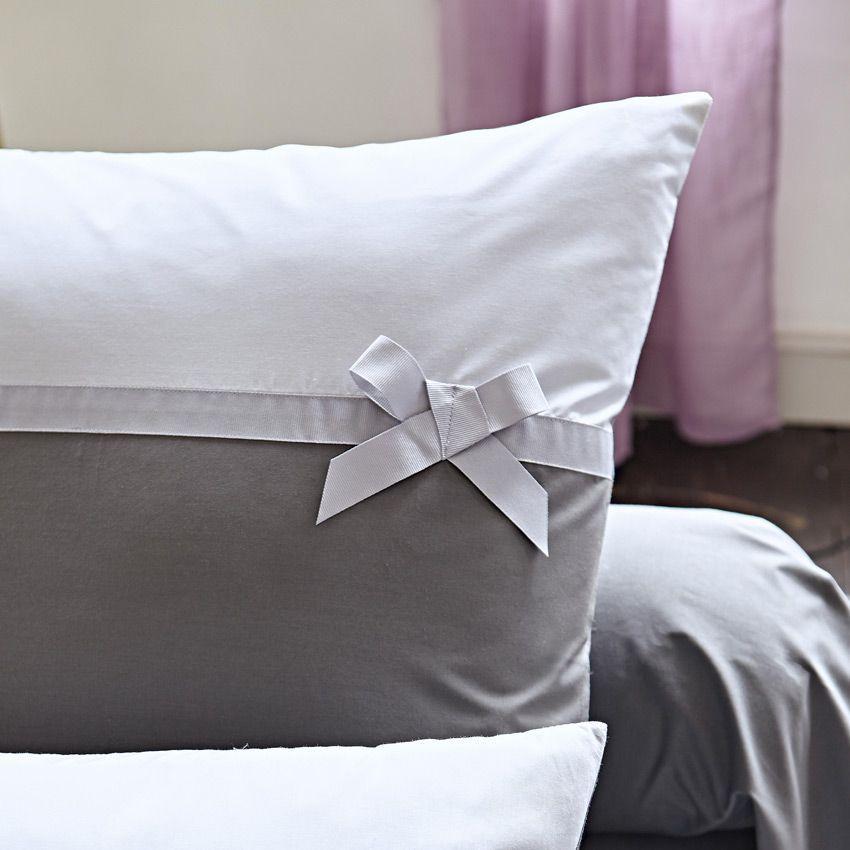 taie d 39 oreiller rectangulaire frou frou nuage taie d 39 oreiller traversin eminza. Black Bedroom Furniture Sets. Home Design Ideas