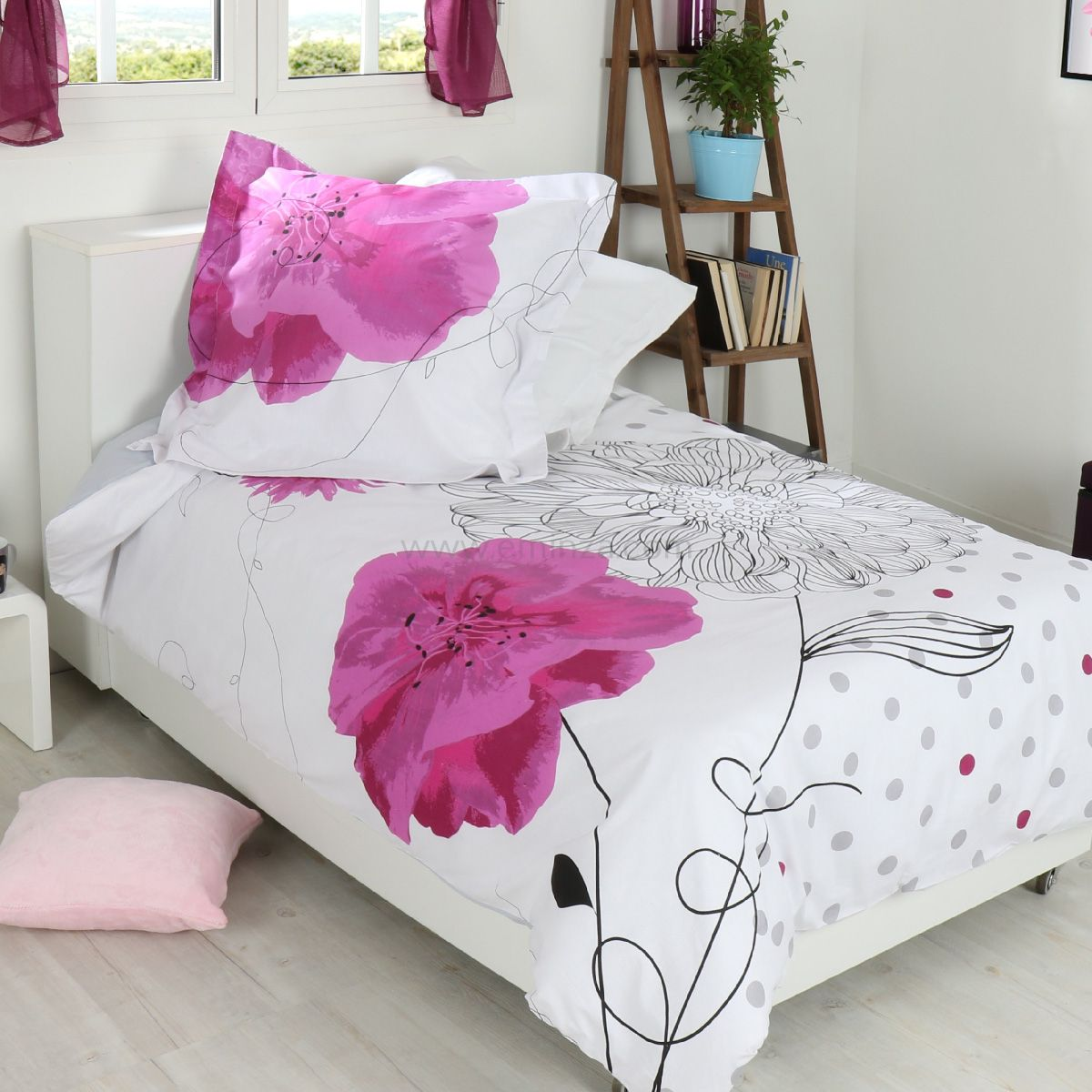 housse de couette et une taie 140 cm florela housse de couette eminza. Black Bedroom Furniture Sets. Home Design Ideas