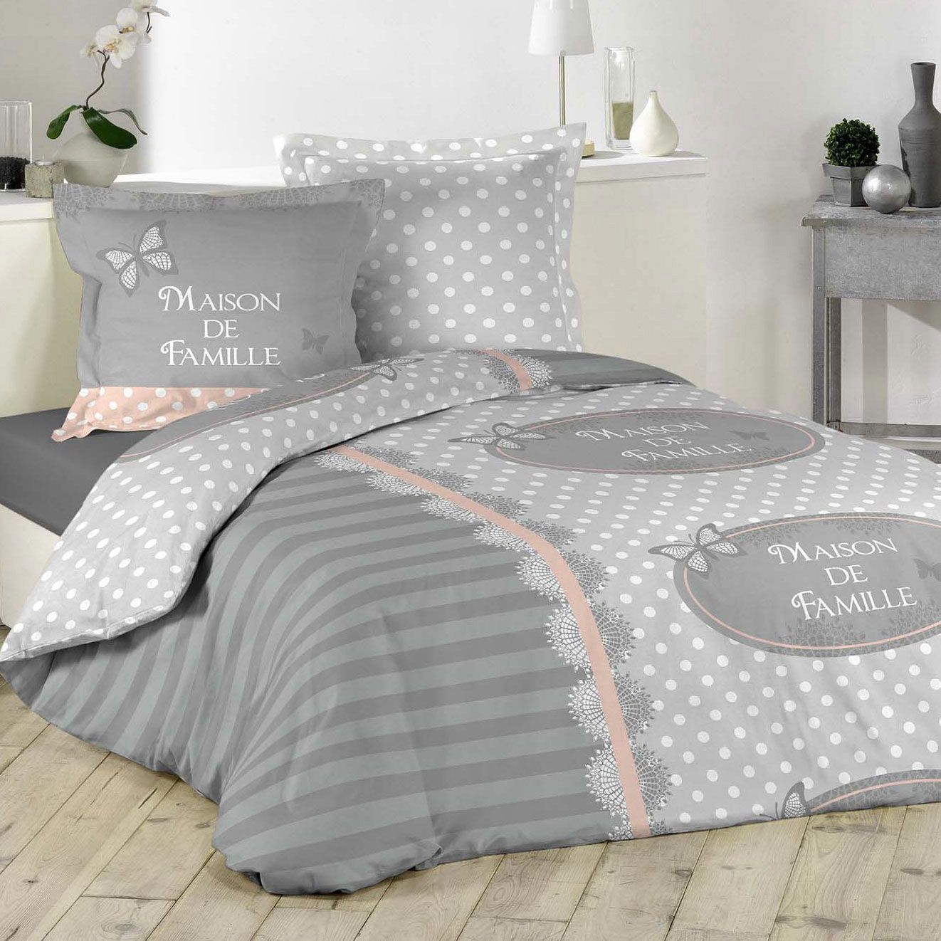 housse de couette et deux taies lili coton 200 cm gris clair housse de couette eminza. Black Bedroom Furniture Sets. Home Design Ideas