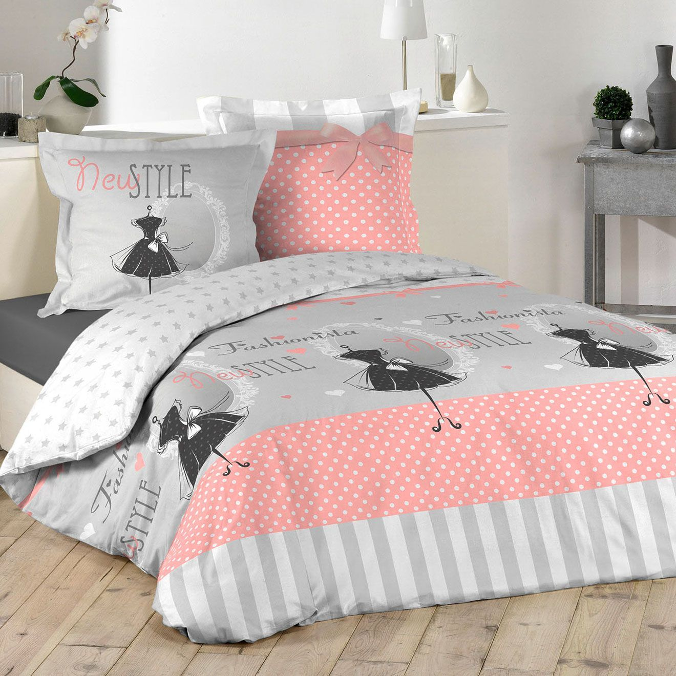 housse de couette et deux taies couture 100 coton 240 cm rose p le housse de couette eminza. Black Bedroom Furniture Sets. Home Design Ideas