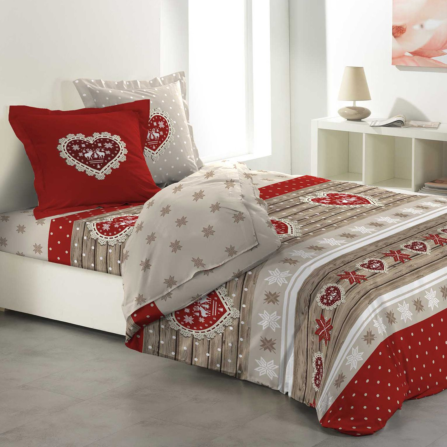 parure de draps 4 pi ces lit 160 cm 100 flanelle de coton coeur rouge parure de draps eminza. Black Bedroom Furniture Sets. Home Design Ideas