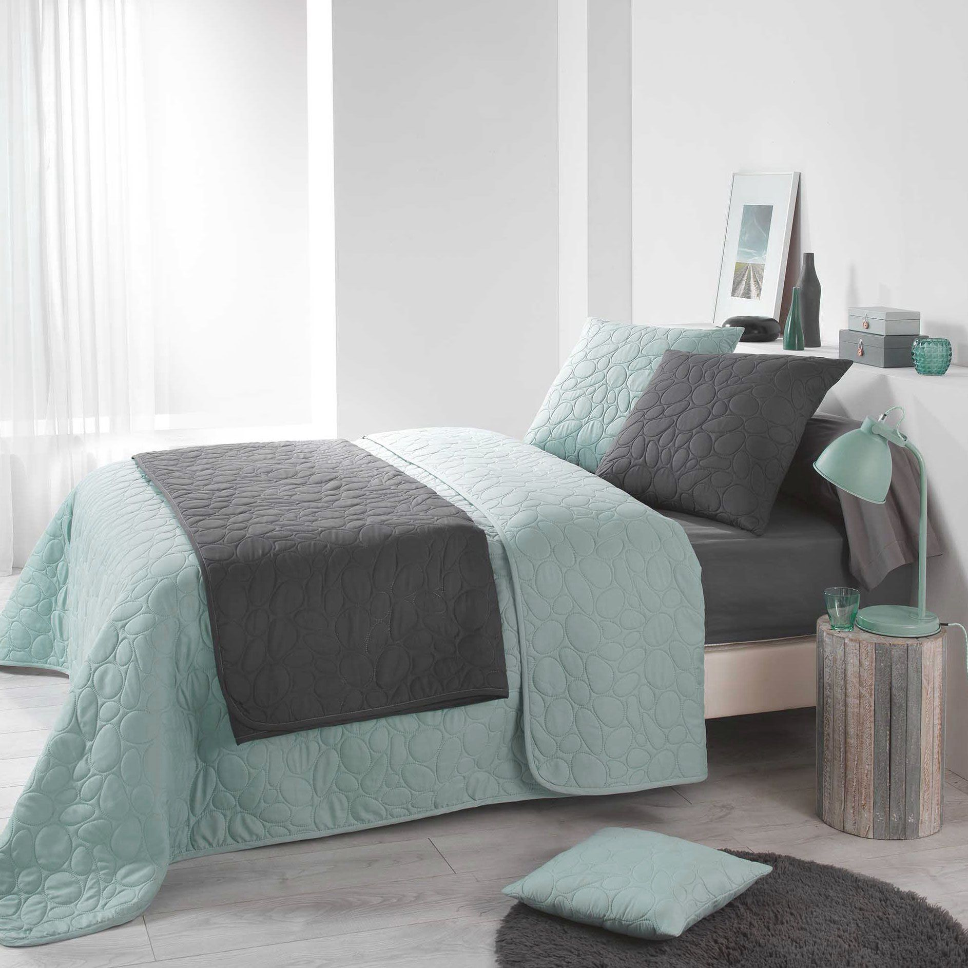 couvre lit 220 x 240 cm dolina vert menthe couvre lit boutis eminza. Black Bedroom Furniture Sets. Home Design Ideas