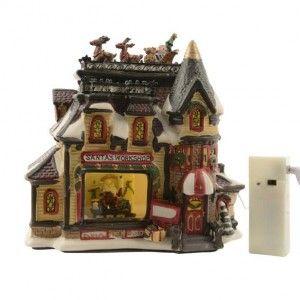 Atelier du village illumin� Santa Claus