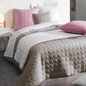 boutis et taies d 39 oreiller 250 x 260 cm plaza argent couvre lit boutis eminza. Black Bedroom Furniture Sets. Home Design Ideas