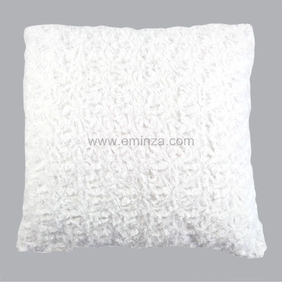 coussin douceur imitation fourrure boucl e blanc d co. Black Bedroom Furniture Sets. Home Design Ideas