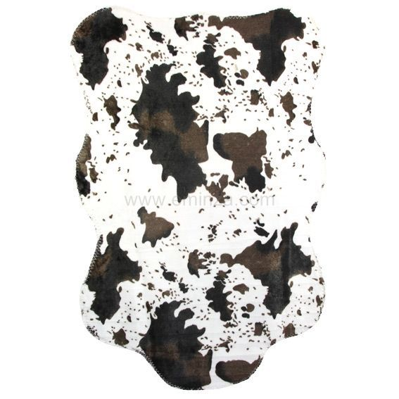 tapis peau de b te imitation fourrure vache tapis eminza. Black Bedroom Furniture Sets. Home Design Ideas