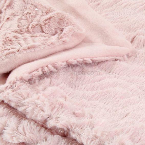 plaid imitation fourrure chamrousse rose eminza. Black Bedroom Furniture Sets. Home Design Ideas