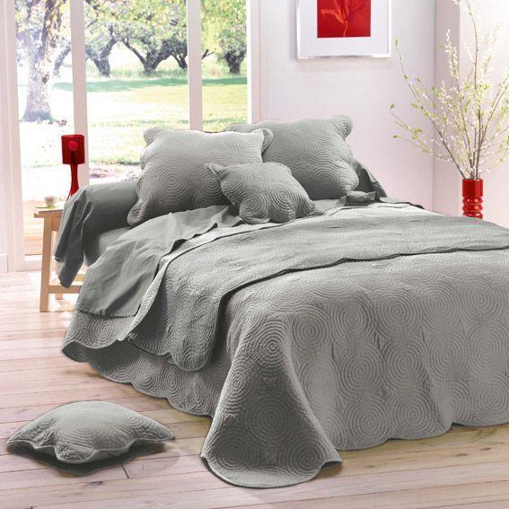 couvre lit 240 x 220 cm matelass gris. Black Bedroom Furniture Sets. Home Design Ideas