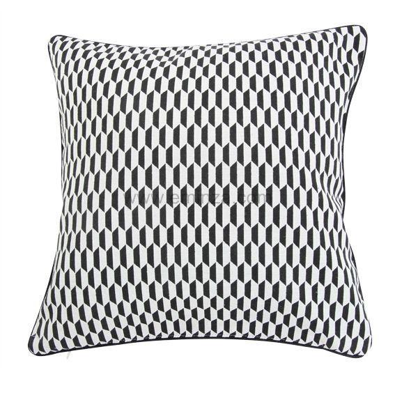 coussin et housse de coussin noir coussin et galette. Black Bedroom Furniture Sets. Home Design Ideas