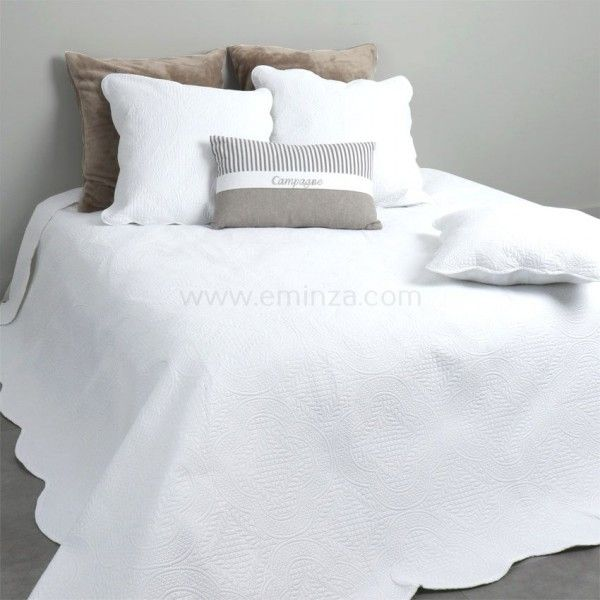 couvre lit 220 x 240 cm matelass melissa blanc linge de lit eminza. Black Bedroom Furniture Sets. Home Design Ideas