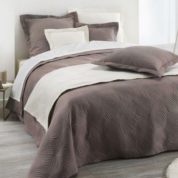 couvre lit 220 x 240 cm florencia taupe linge de lit eminza. Black Bedroom Furniture Sets. Home Design Ideas