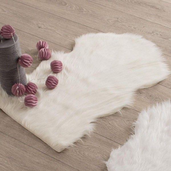 tapis peau de b te 90 cm imitation fourrure blanc. Black Bedroom Furniture Sets. Home Design Ideas