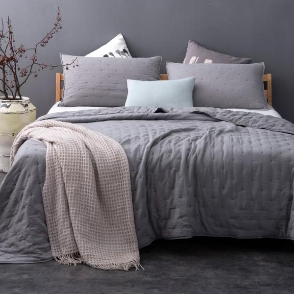 couvre lit et taies d 39 oreiller 180 x 240 cm iroise gris linge de lit eminza. Black Bedroom Furniture Sets. Home Design Ideas