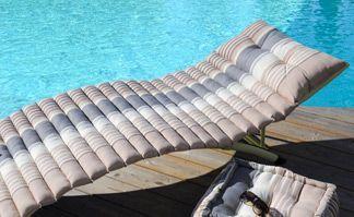 Coussin de bain de soleil : installez-vous confortablement