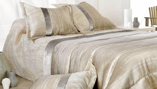 Couvre-lit : élégance et chaleur dans la chambre