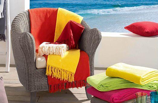 Le plaid en coton sublime vos fauteuils et canapés..
