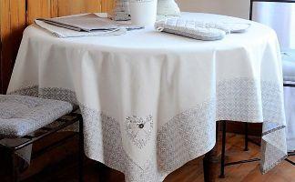 Faites plaisir à votre table - Offrez lui une jolie nappe !