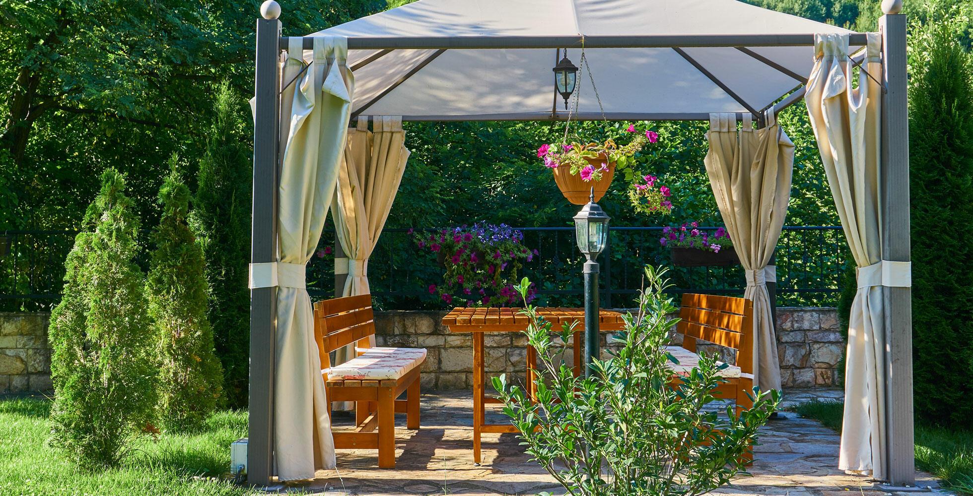 coin repas dans le jardin