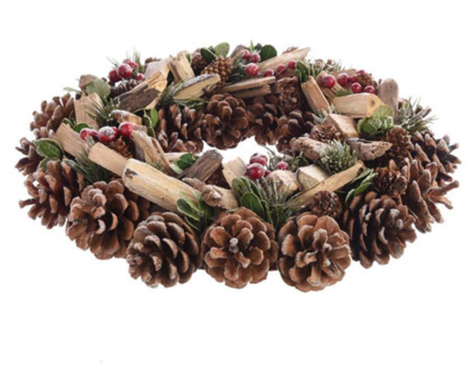 Corona de Navidad natural en piñas