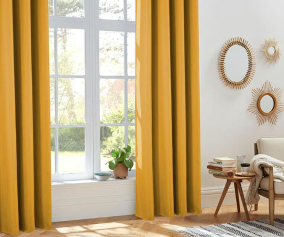 cortina térmica amarilla
