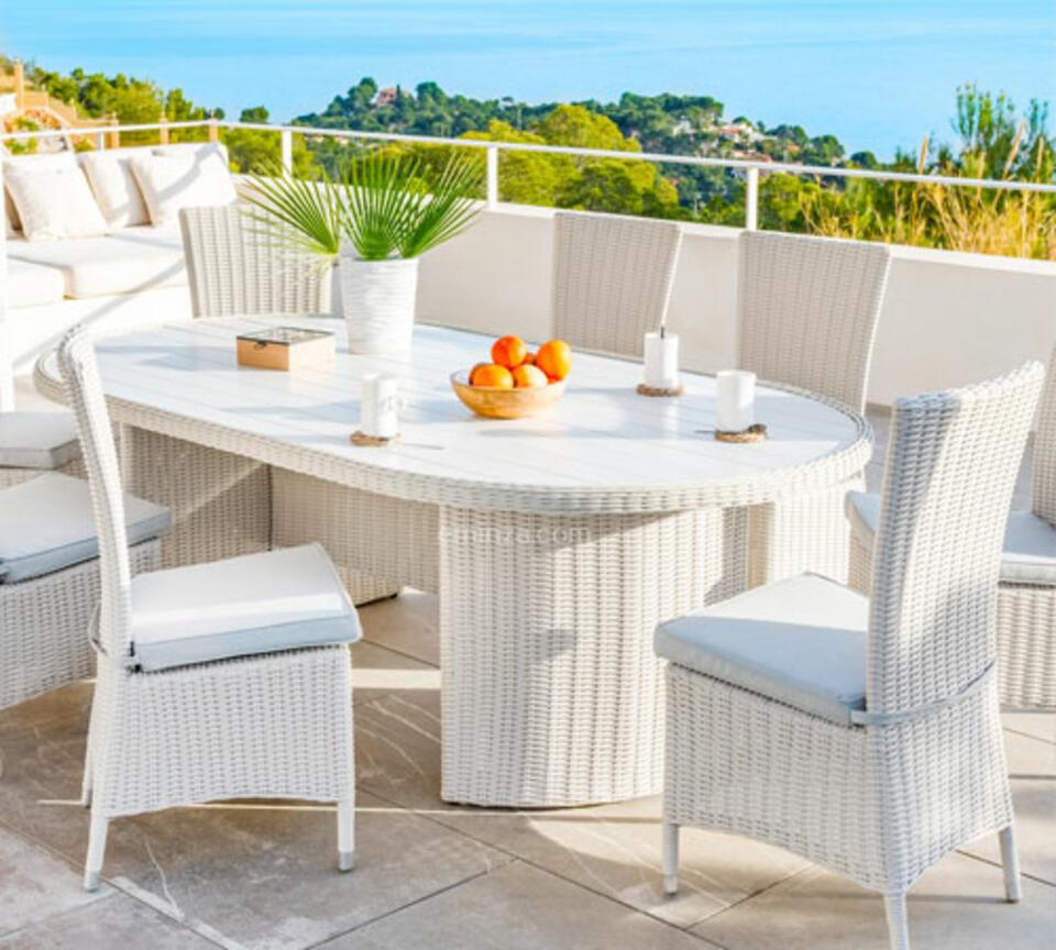 tavolo da giardino in polyrattan