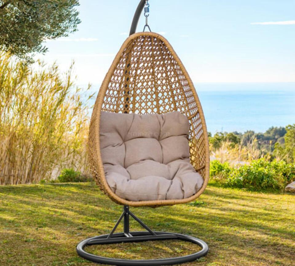 fauteuil suspendu en résine style vintage