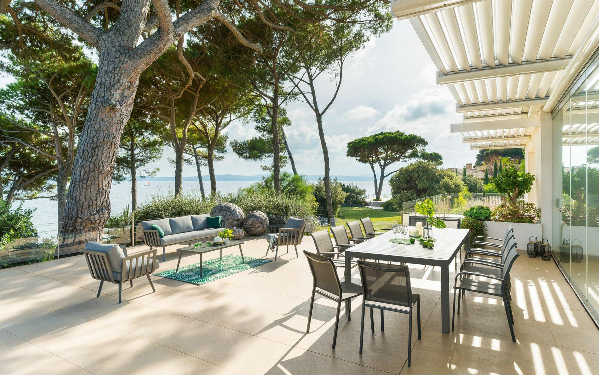 mobilier de jardin : avantage de l'aluminium