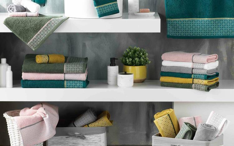 serviettes de bain colorées
